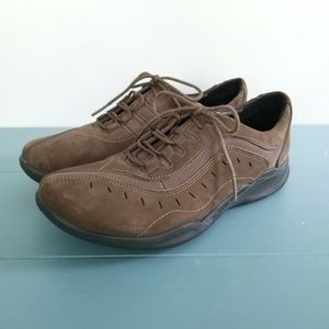 {Clarks} Brown Wave Wheel Shoes NWOT Size 8 Wide